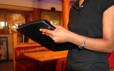 """Ebook """"52 Dicas de Atendimento para quem quer ser mais e melhor a servir"""""""